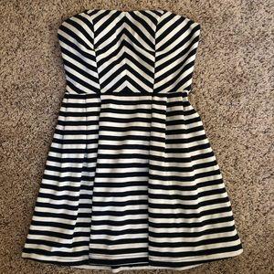 Forever 21 strapless dress size medium